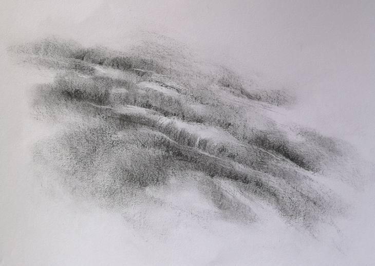En pente douce – fusain sur papier